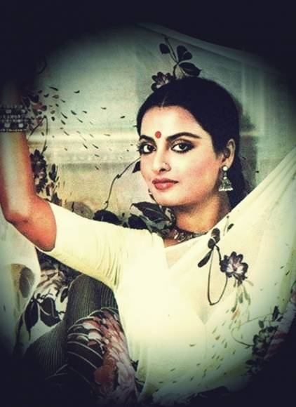 Birthday special classy vintage looks of Rekha not to be missed!