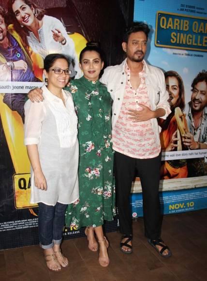 Tanuja Chandra, Parvathy Thiruvoth Kottuvata & Irrfan Khan at the screening of film
