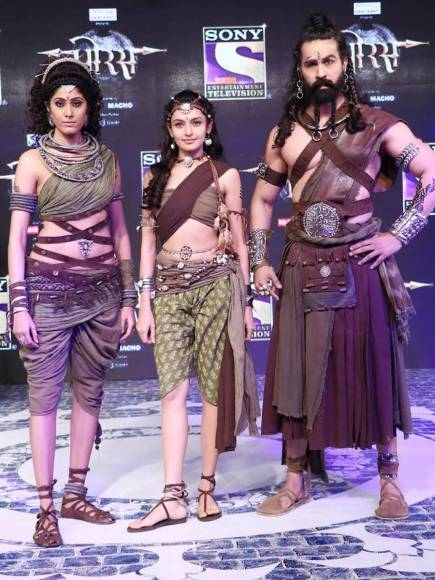 Aditya Redij as Bamani, Rati Pandey as Anusuiya, Amandeep Singh as Shiv Dutt in Porus
