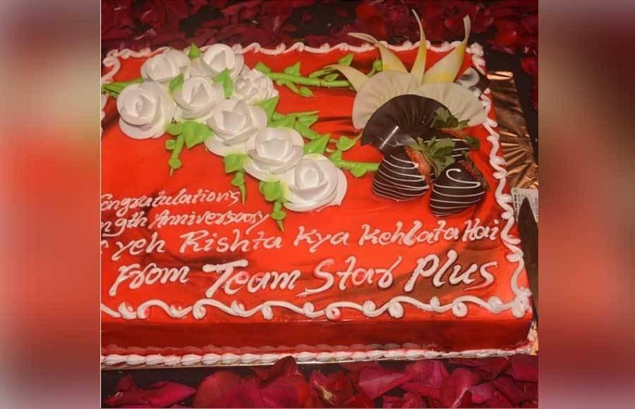 Yeh Rishta team celebrates 9 years of success!