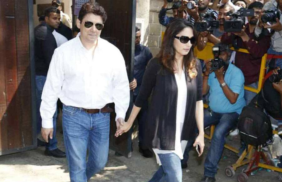 Bollwood fraternity rushes to Anil Kapoor's residence to condole the family