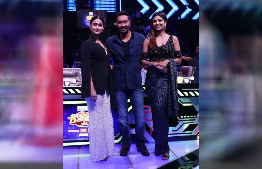 Ajay Devgn, Ileana D Cruz & Sunidhi Chauhan in Super Dancer
