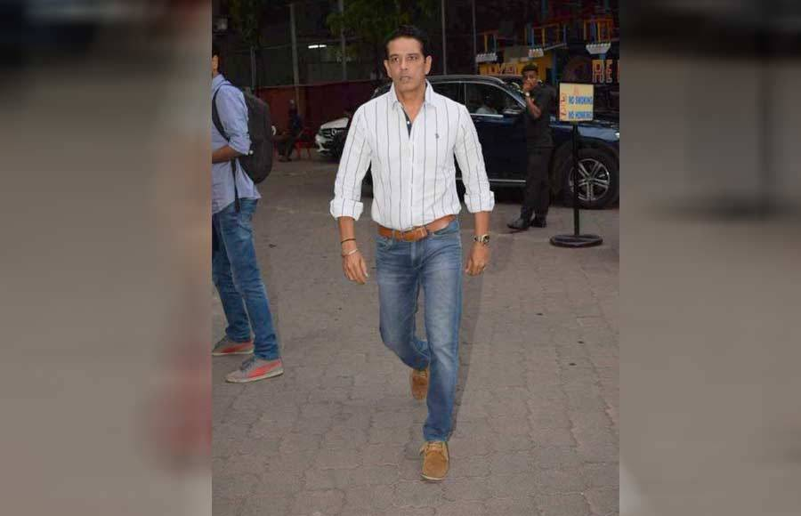 Celebs attend Narendra Jha's prayer meet