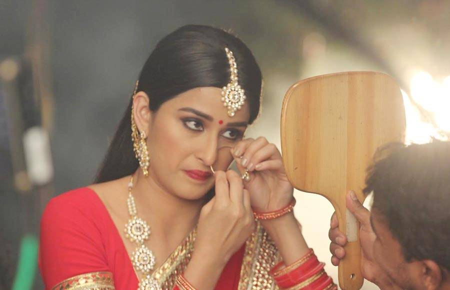 In pics: Pooja, Meera and Jia turn Durga Maa