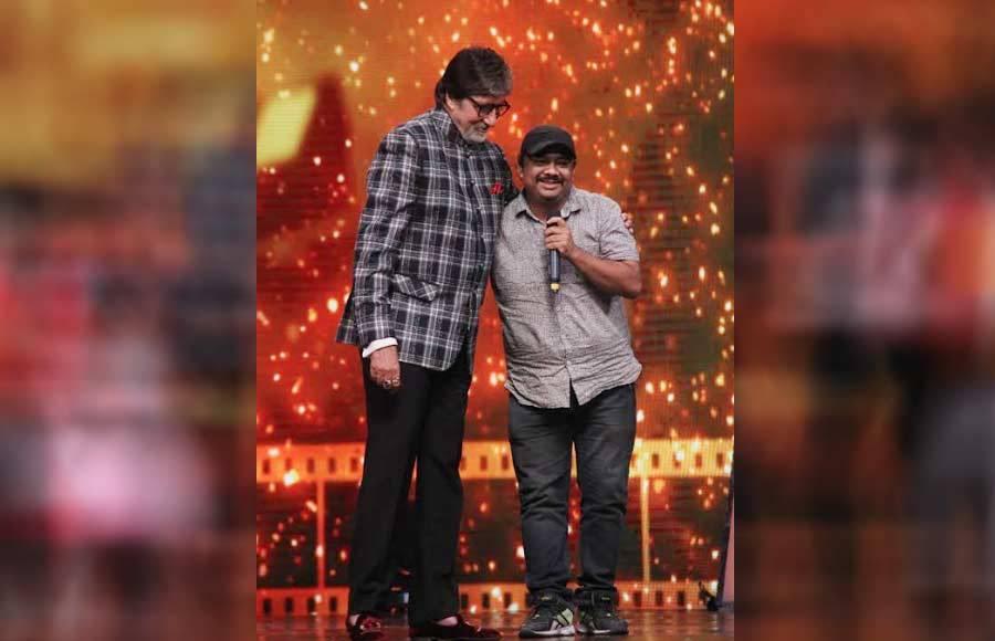 Superstars Amitabh Bachchan and Rishi Kapoor on the sets of DID Li'l Masters