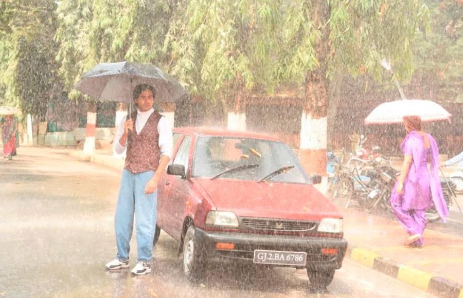 Sameer and Naina's rain romance in Yeh Un Dinon Ki Baat Hai