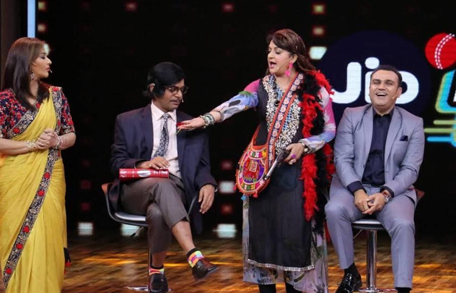 Naagin actresses visit the sets of Jio Dhan Dhana Dhan