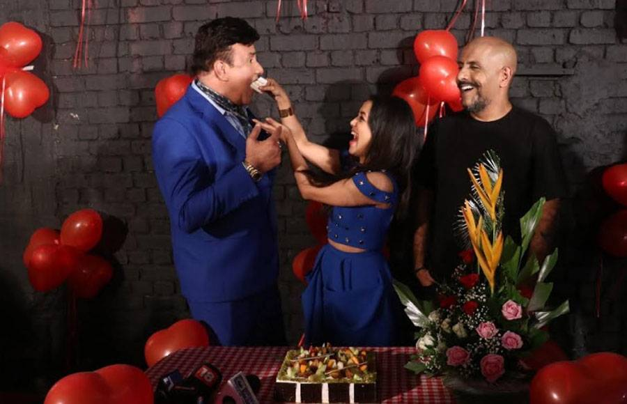 On birthday: Neha Kakkar gets surprised on the sets of Indian Idol 10