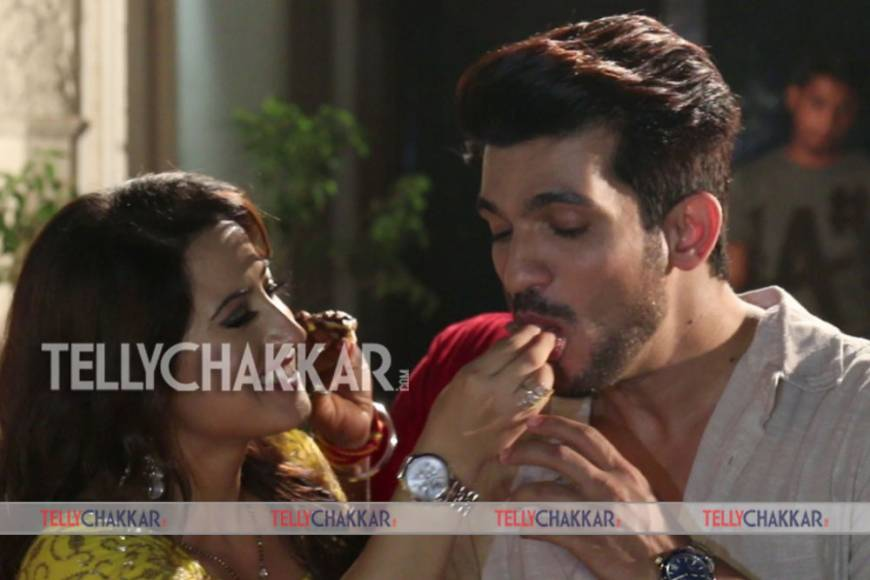 Ishq Mein Marjawaan team celebrates completion of 200 episodes