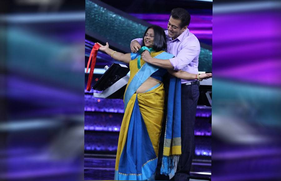 Dr. Mashoor Gulati & Neha Kakkar take over Dus Ka Dum