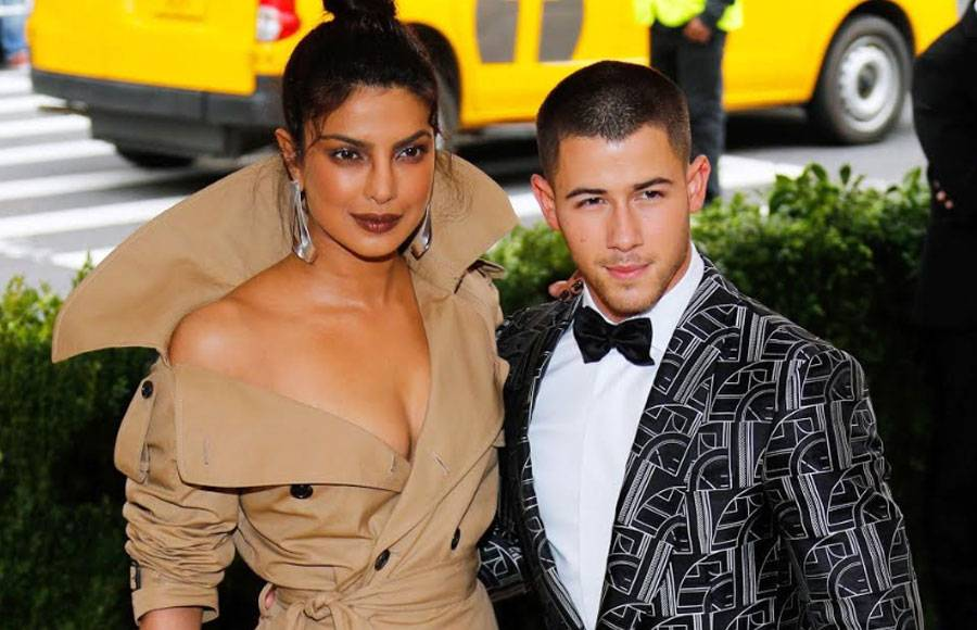 These pictures of Priyanka - Nick make us believe they are in LOVE