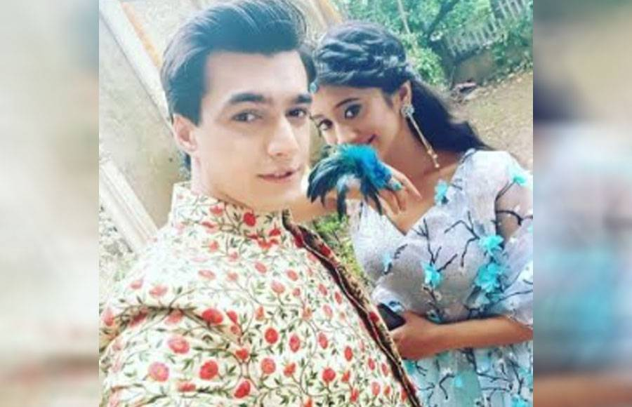These SELFIES of Mohsin-Shivangi, prove how much they are in LOVE!