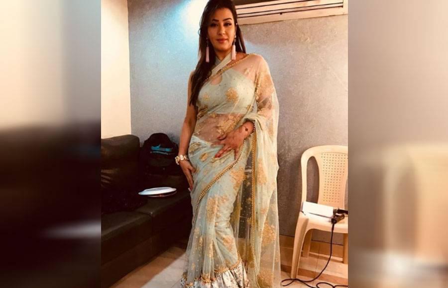 Actress Dazzle in beautiful sarees