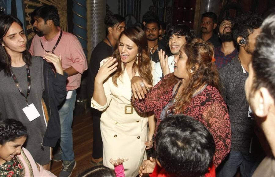 Huma Qureshi pre-birthday celebrations on India's Best Dramebaaz