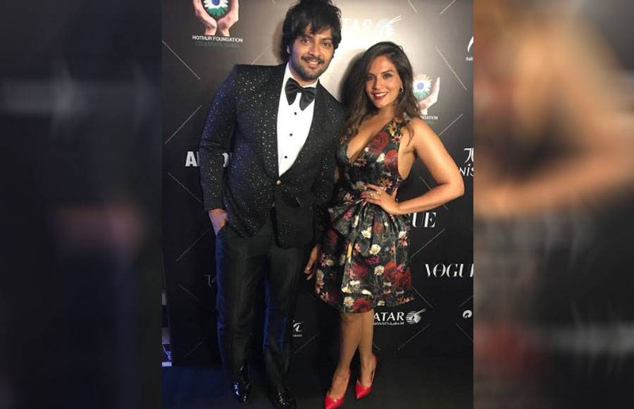 From SRK to Janhvi, Bollywood stars dazzle at the red carpet
