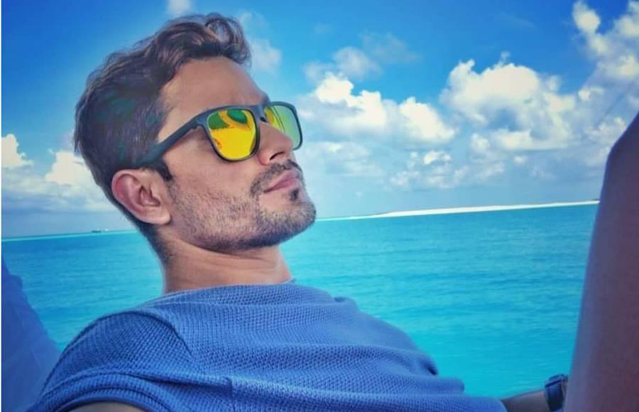 Saif-Kareena and Soha-Kunal's family outing to Maldives will leave you envious!