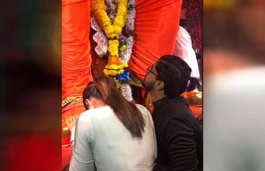 Hina Khan visits Lalbaugcha Raja with beau Rocky