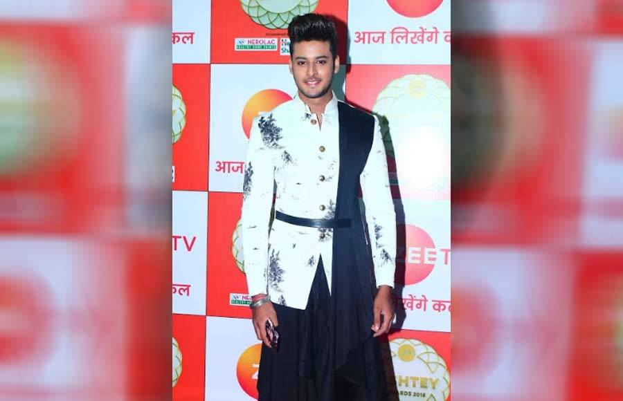 Celeb galore at Zee Rishtey Awards