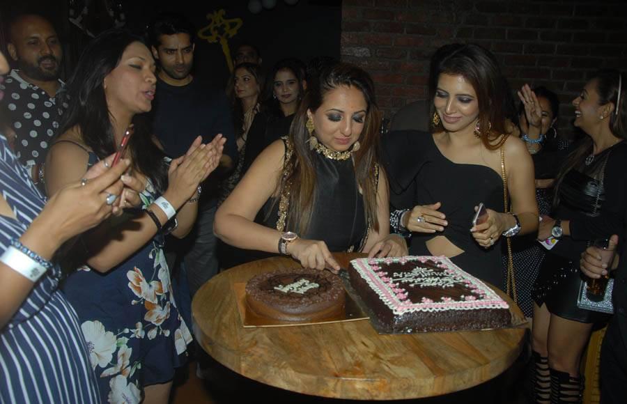 Munisha Khatwani's rocking birthday bash.