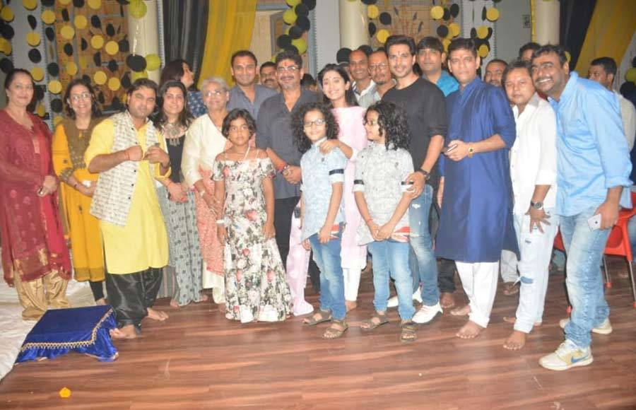 Hawan on the sets of Yeh Rishta Kya Kehlata Hai