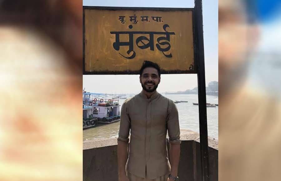 In pics: Eisha Singh and Adnan Khan enjoy Mumbai darshan