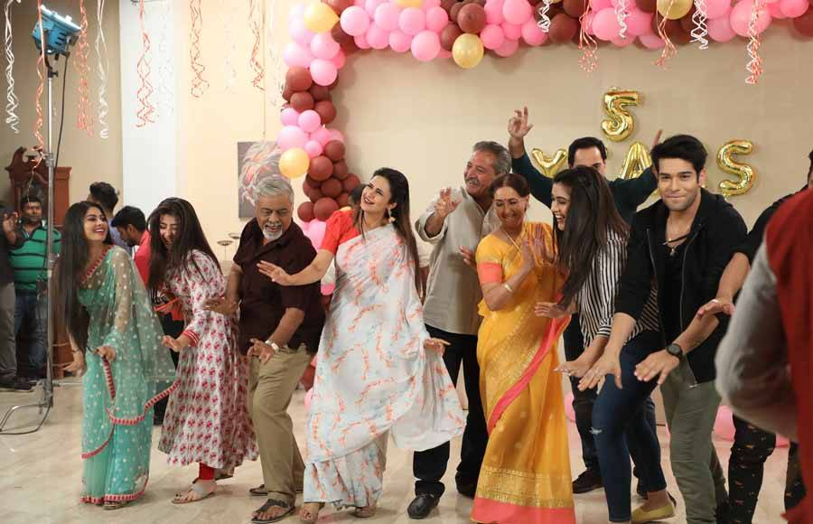 Yeh Hai Mohabbatein Completes 5 Years!