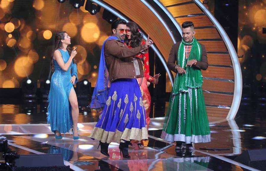 Ranveer Singh Dances in Heels and Ghagra on Sa Re Ga Ma Pa