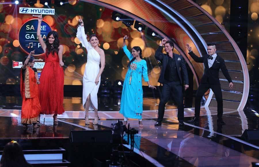 Cast of Zero at  Sa Re Ga Ma Pa set