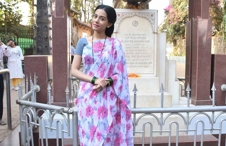 Amrita Rao dons Meenaitai Thackeray's look to promote Thackeray