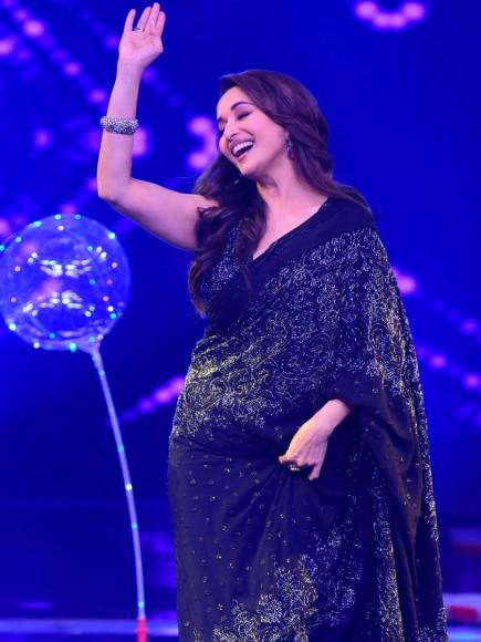 Madhuri Dixit overwhelmed after watching her tribute act on Dance+4
