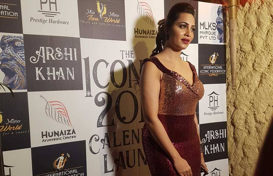 Arshi Khan unveils the calendar '2019 The Iconic Calender'