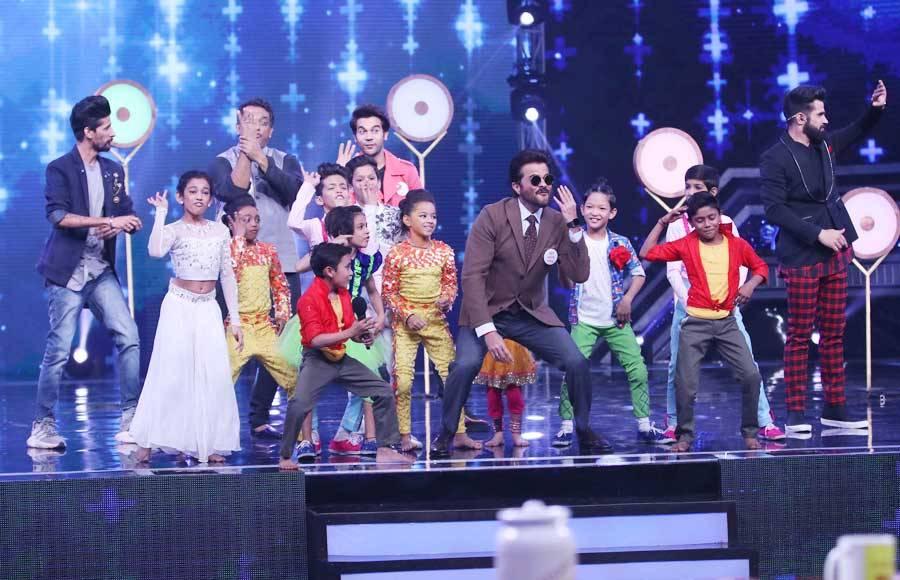 Ek Ladki Ko Dekha Toh Aisa Laga star cast graces Super Dancer Chapter 3