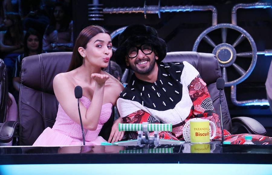 'Gully Boy' shakes a leg with Super Dancer Chapter 3 contestants