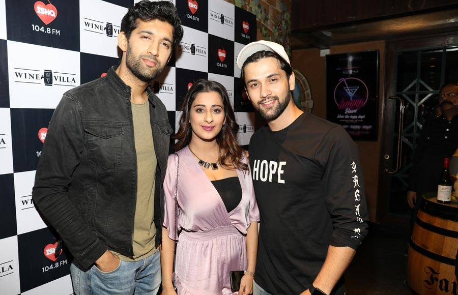 Celebs attend birthday bash of Manik Soni