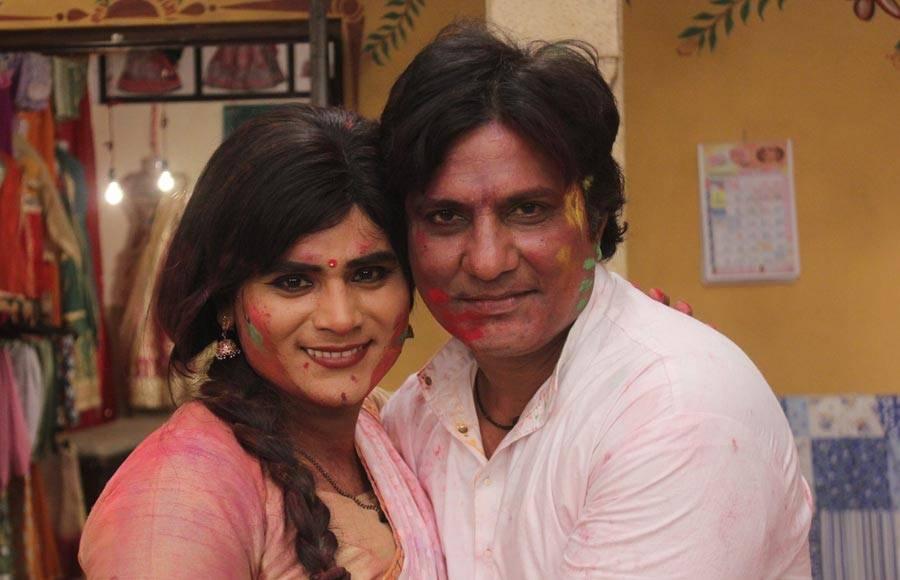 Holi in Sanjay Kohli's Jiijaji Chat Peer Hai!