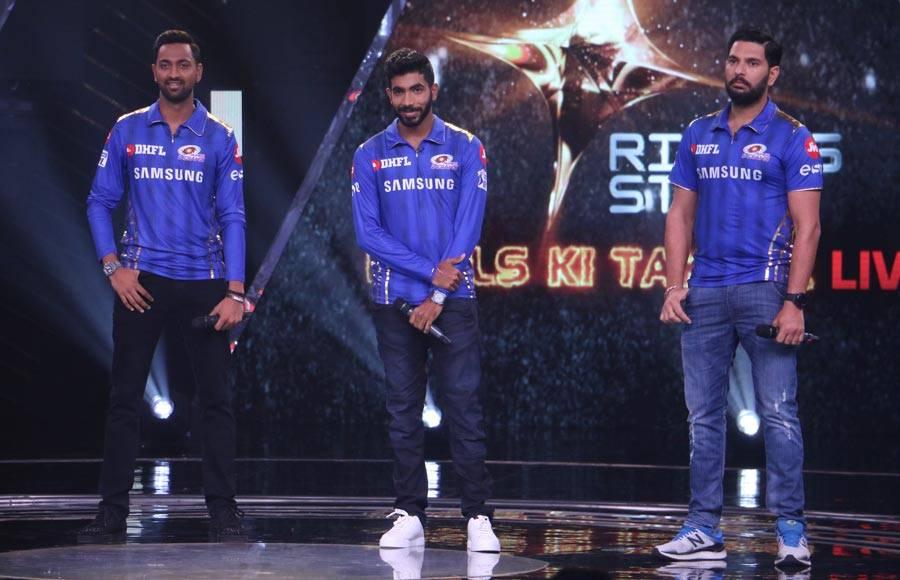 Yuvraj Singh, Jasprit Bumrah and Krunal Pandya with the experts of Rising Star 3.