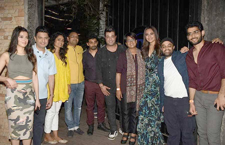 Sonakshi Sinha throws a 'wrap up' party