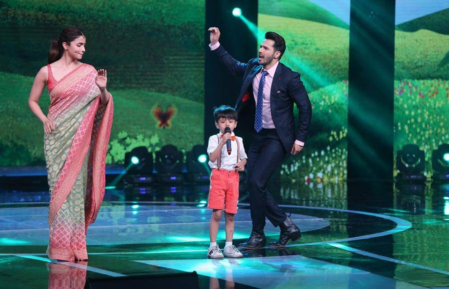 Alia Bhatt and Varun Dhawan dance to Li'l Champ Swaransh's tunes