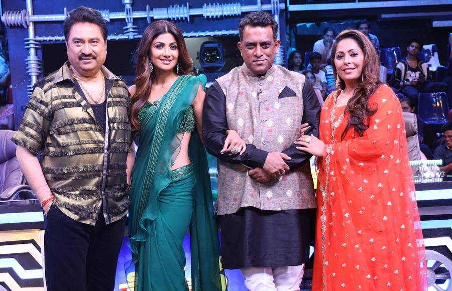 Kumar Sanu have gala time on the sets of Super Dancer