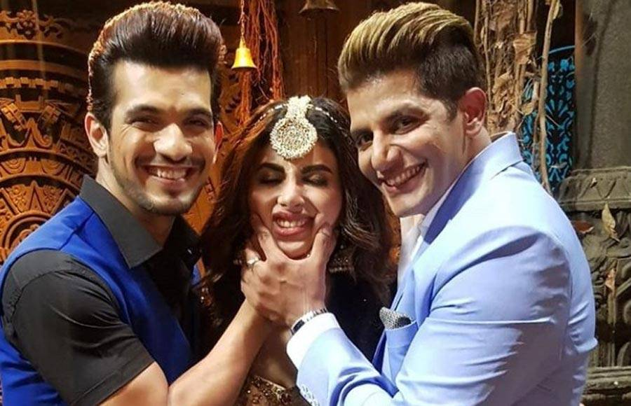 In pics: Mouni, Arjun, Adaa and Karanvir shoot for Naagin 3