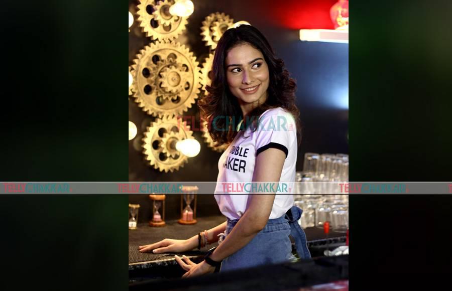 Aneri Vajani's sizzling photoshoot