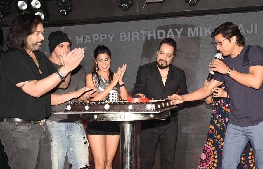 Mika Singh's star-studded birthday bash