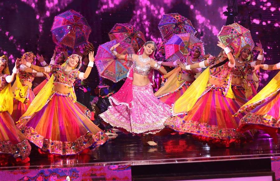 Shilpa Shetty's Bharatanatyam performance for the grand finale of Super Dancer