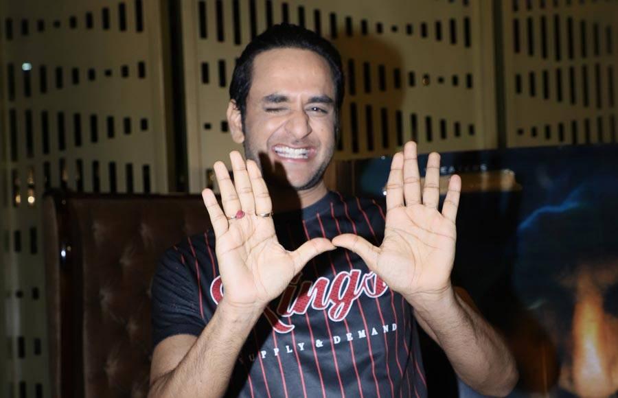 Star-studded affair for Karanvir Bohra's film Hume Tumse Pyaar Kitna