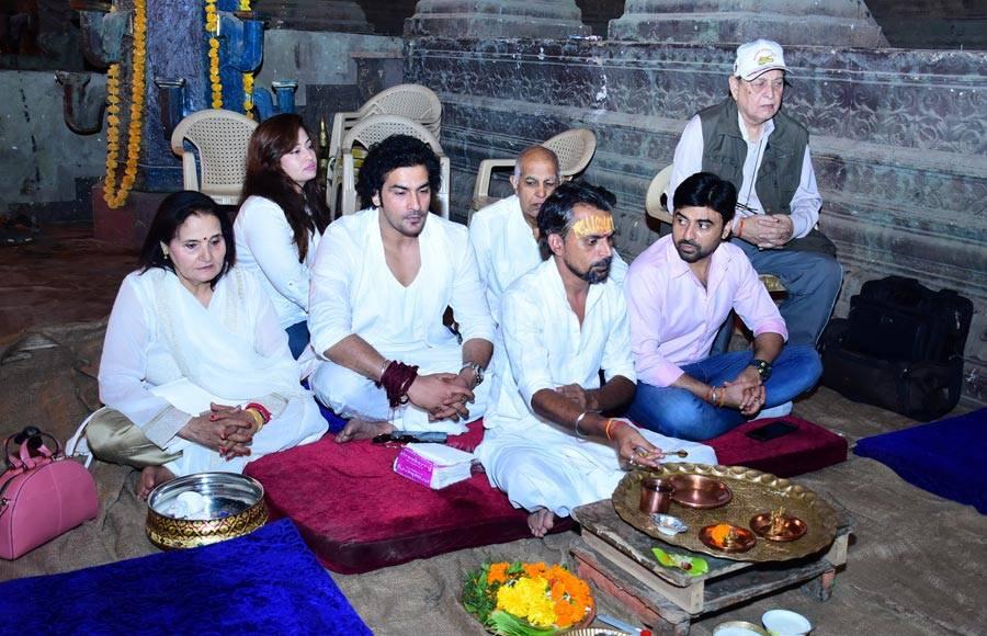 Vighnaharta Ganesh team celebrates Ganpati Pooja on completing 500 episodes