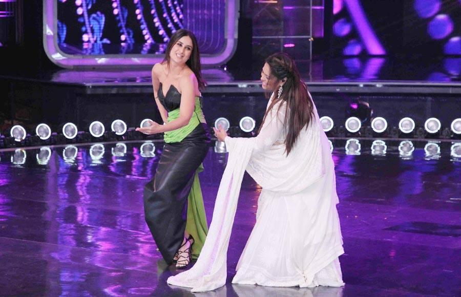 Kareena and Geeta Ma recreate the iconic Bole Chudiya on DID