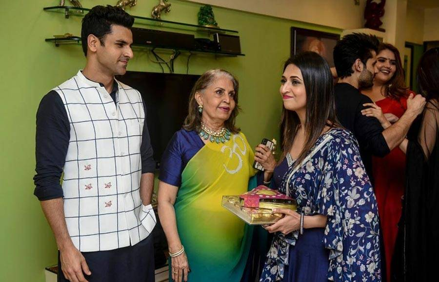 Celebs visit producer Sandip Sickand's house for Ganpati Darshan