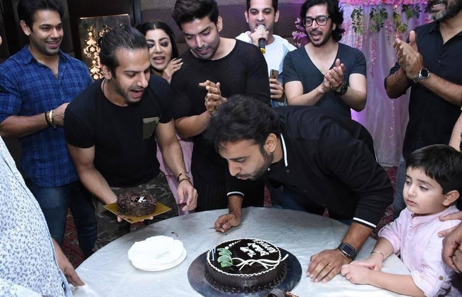 Celeb galore at Romansh Mehta's birthday!