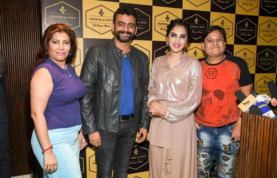 Bigg Boss 1 finalist and actress Smita Gondkar celebrates the success of Bigg Boss Marathi with contestants