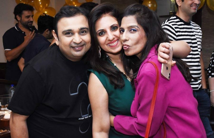 Munisha Khatwani's throws her birthday bash!